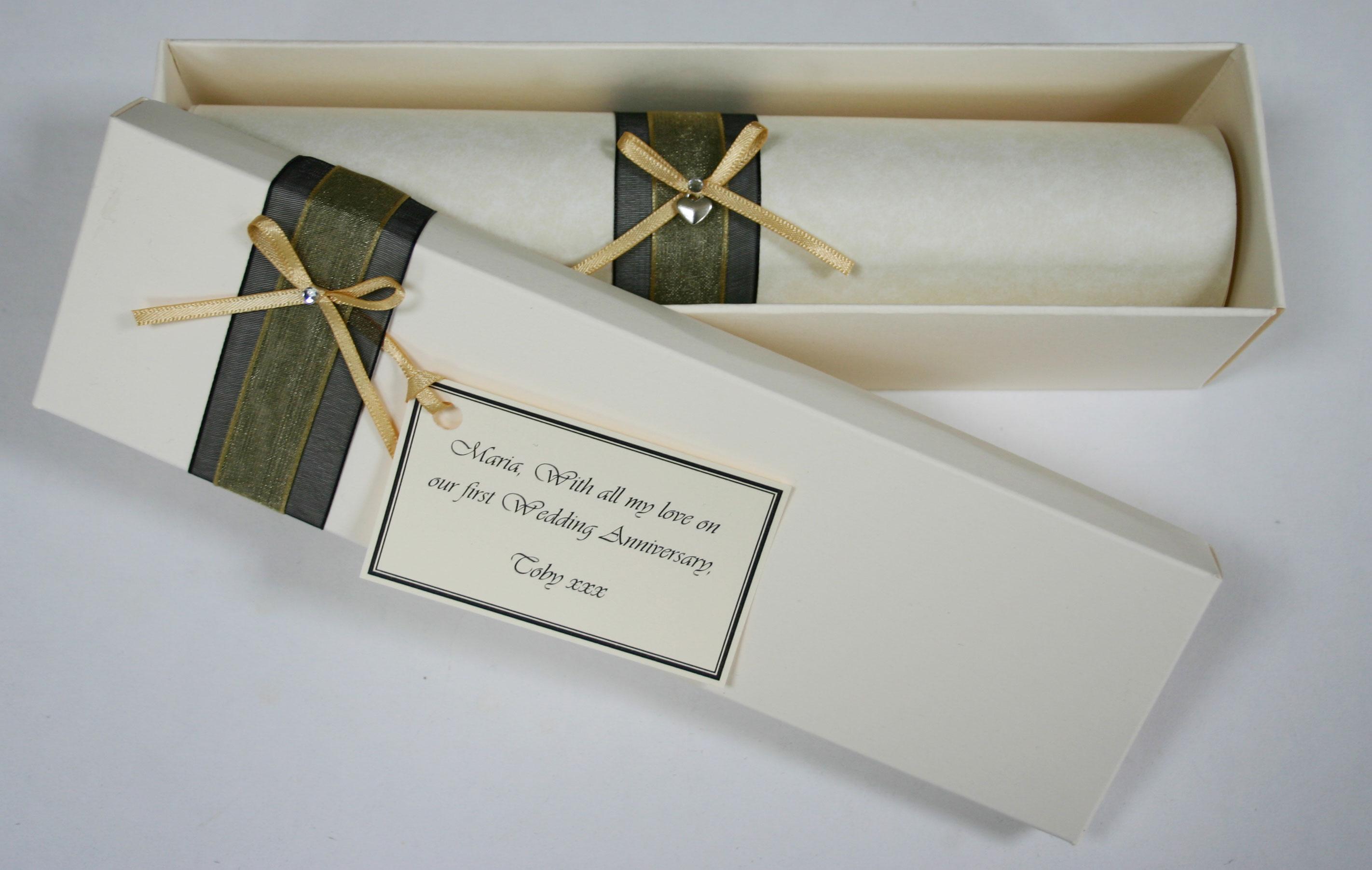 Personalised Wedding Keepsake Gifts : Personalised gift scrolls