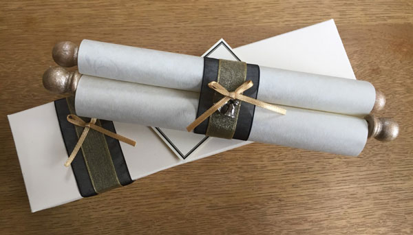 Personalised gift scroll